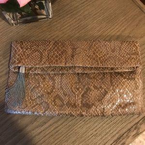 Faux snake skin clutch w tassel